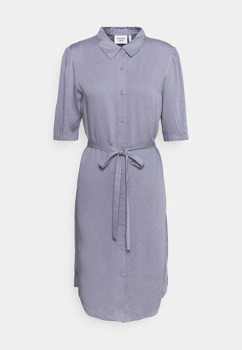 RYAWA DRESS - Košilové šaty - silver blue