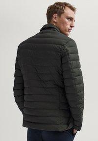 Massimo Dutti - Winter jacket - khaki - 1