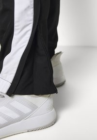 Lacoste Sport - SET - Dres - black/white/cosmic - 8