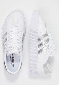 adidas Originals - SAMBAROSE - Baskets basses - footwear white/silver metallic/core black - 3