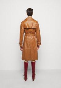 Alberta Ferretti - Trenchcoat - brown - 2