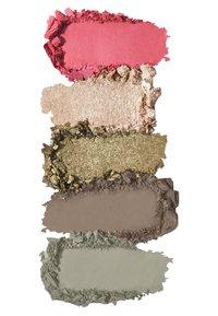 KIKO Milano - SMART EYES AND CHEEKS PALETTE - Eyeshadow palette - 2 green garden - 1