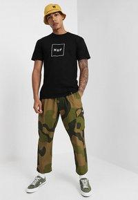 HUF - BOX LOGO - Print T-shirt - black - 1