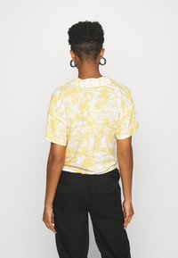 Hollister Co. - RESORT TEXTURE UPDATE - Button-down blouse - yellow - 2