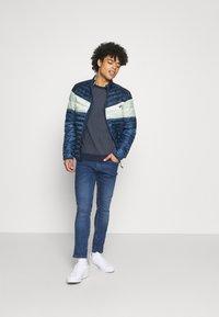 Blend - JET FIT - Jeans slim fit - denim middle blue - 1