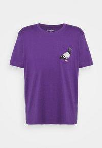 POCKET TEE UNISEX - Print T-shirt - purple