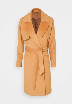 Klasyczny płaszcz - camel