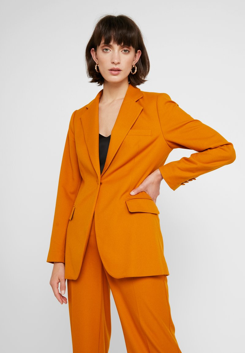 JUST FEMALE - MAX - Blazer - pumpkin spice