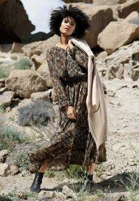 Angel of Style - Maxi dress - beige - 1