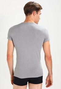 Emporio Armani - V NECK 2 PACK - T-shirt basique - black/gray - 2