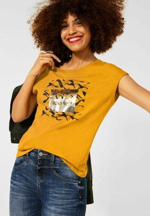MIT WORDING - Print T-shirt - gelb