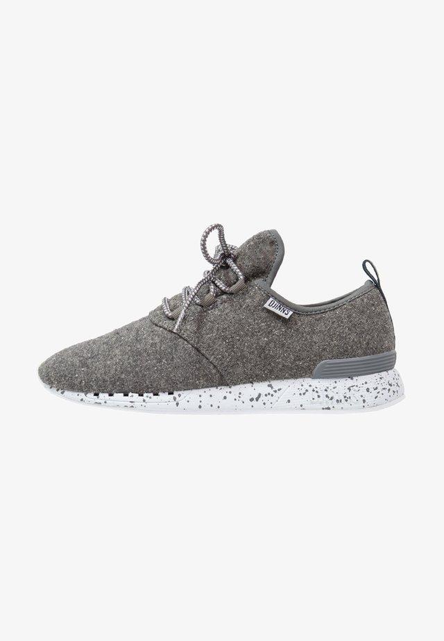 MOC LAU SPOTS - Trainers - grey