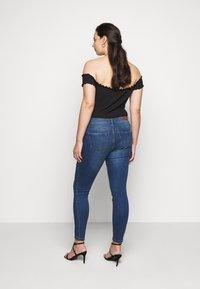 Vero Moda Curve - VMTANYA PIPING - Skinny-Farkut - dark blue denim - 2