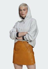 adidas Originals - HOODIE - Hoodie - light grey heather - 0