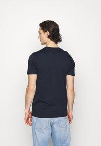 Ellesse - MONTELL - Print T-shirt - navy - 2