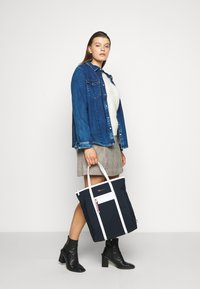 Tommy Hilfiger - TOTE - Tote bag - blue - 0
