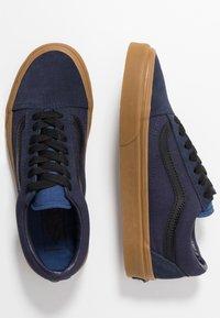 Vans - OLD SKOOL - Sneakersy niskie - night sky/true navy - 1