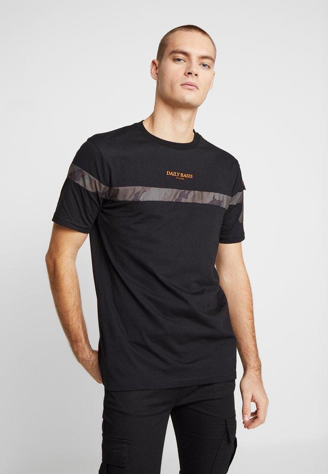 CAMO BLOCK TEE - T-shirt imprimé - black