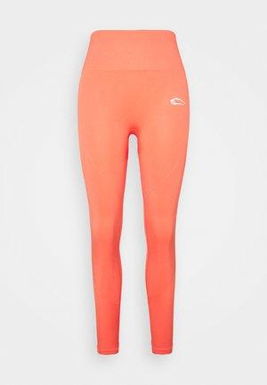 LEGGINGS LOOSEN UP - Punčochy - orange