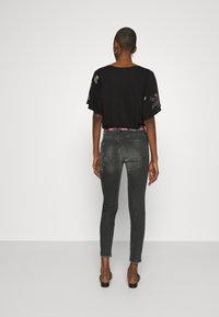 Desigual - BOW - Jeans Slim Fit - denim black - 2