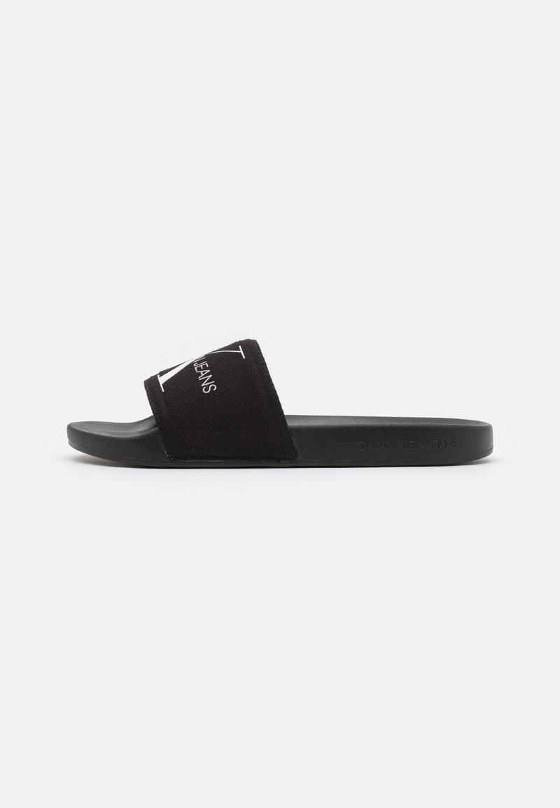 Calvin Klein Jeans - SLIDE MONOGRAM  - Matalakantaiset pistokkaat - black