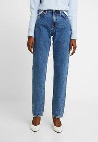 Nudie Jeans - BREEZY BRITT - Jeans straight leg - friendly blue - 0