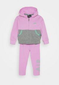 Nike Sportswear - AIR LEGGING SET - Zip-up hoodie - artic pink - 0