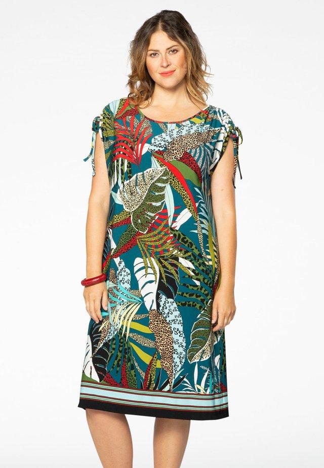 Robe d'été - multi-coloured