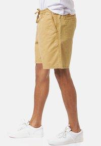 Vans - RANGE SALT WASH - Shorts - dried tobacco - 3