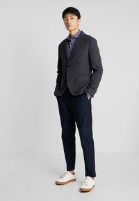 Selected Homme - SLHSLIM IKEN BLAZER - Blazer jacket - dark navy - 1