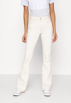 ONLBLUSH LIFE - Flared Jeans - ecru