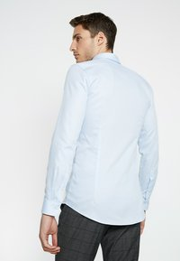 OLYMP - OLYMP NO.6 SUPER SLIM FIT - Formal shirt - bleu - 2