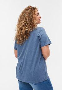 Zizzi - Print T-shirt - blue - 2