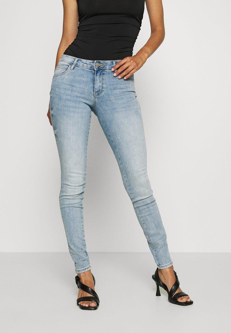 Guess - ULTRA CURVE - Jeans Skinny Fit - blue denim