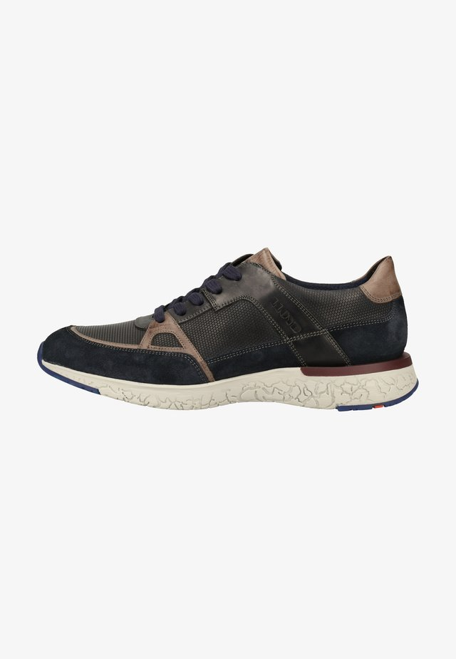 Sneakers laag - pilot/graphit/midnight