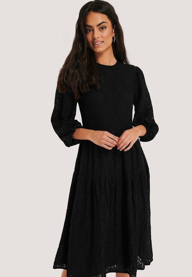MIT PUFFÄRMELN - Vapaa-ajan mekko - black