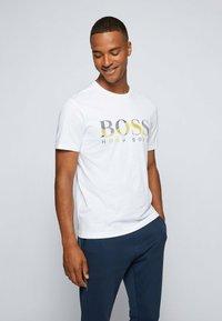 BOSS - 2-PACK - Basic T-shirt - patterned - 3