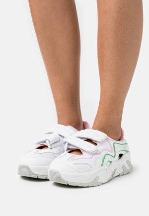 DONNA SHOES - Matalavartiset tennarit - white/pink