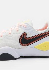 Nike Performance - SPEEDREP - Neutral running shoes - summit white/dark smoke grey/bright mango - 5