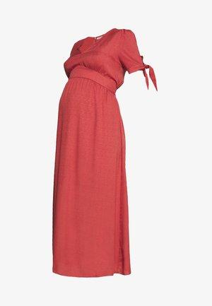 DRESS - Denní šaty - faded red