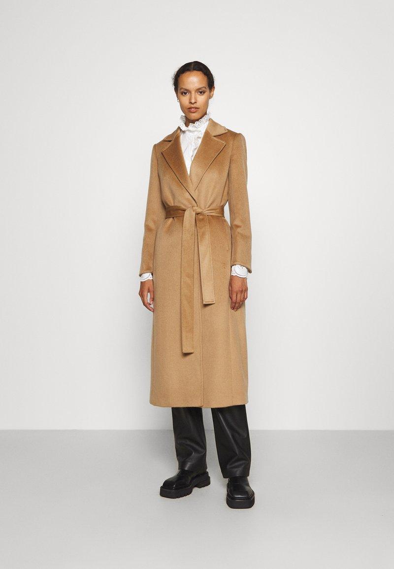 MAX&Co. - LONGRUN - Klasický kabát - camel