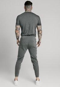 SIKSILK - SIGNATURE TEE - T-shirt con stampa - grey - 2