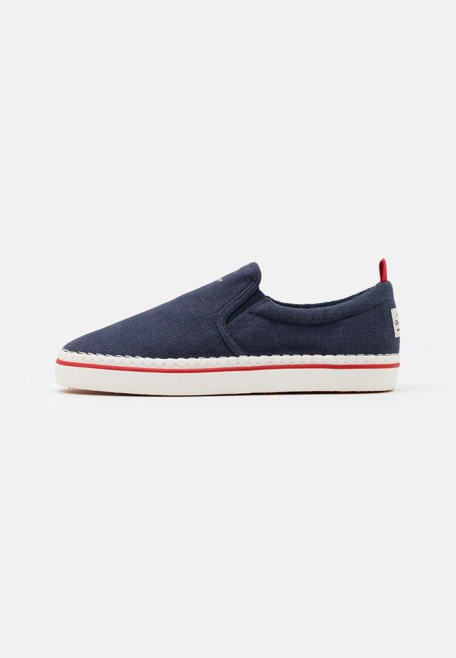 FREZNO - Sneakersy niskie - marine