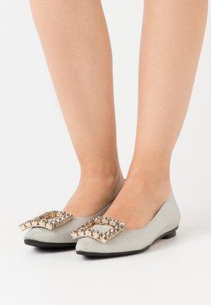 LIA - Ballet pumps - glitter platino