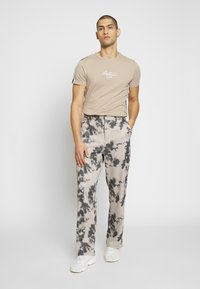 Jaded London - BLEACHED PINSTRIPE TROUSER - Trousers - grey - 1