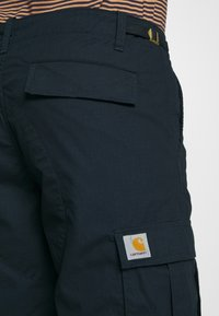 Carhartt WIP - AVIATION COLUMBIA - Shortsit - dark navy - 3