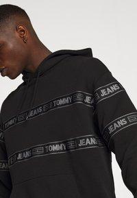 Tommy Jeans - TONAL  - Hoodie - black - 4