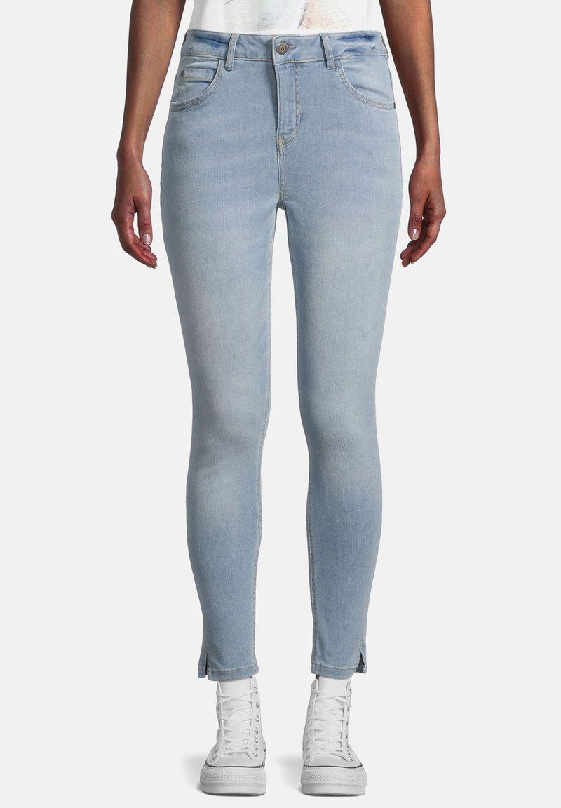 Cartoon - Slim fit jeans - light blue denim