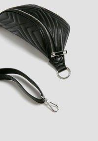 PULL&BEAR - Bum bag - black - 4