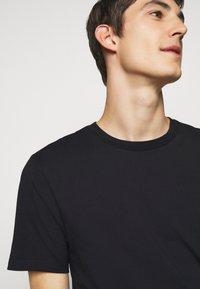 J.LINDEBERG - SILO TEE - T-shirt basic - black - 4